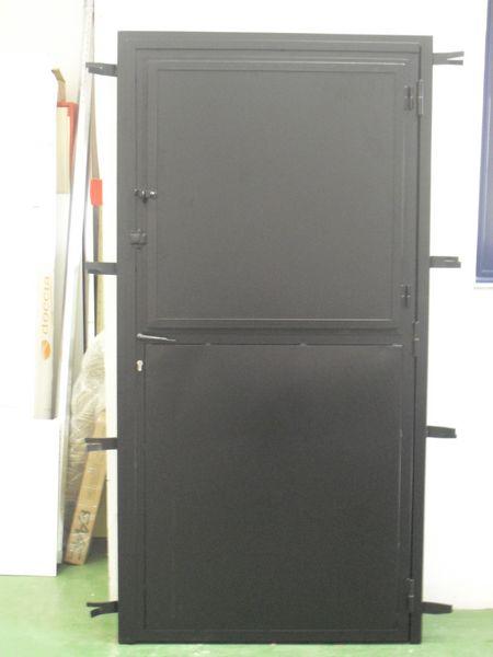 Puertas hierro alufin for Fotos de puertas metalicas modernas